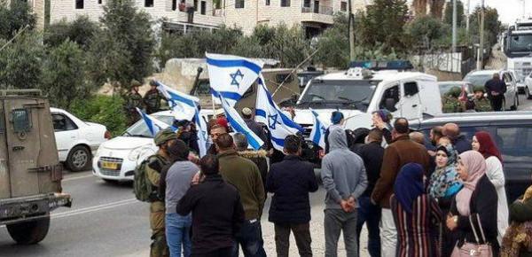 مستوطنون يقتحمون مدرستين في تقوع جنوبي بيت لحم