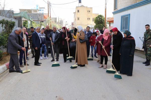 """""""التعليم البيئي"""" ينفذ حملة نظافة وغرس أشجار في قلقيلية وجنين"""