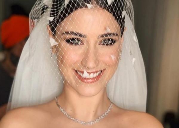 فستان زفاف هازال كايا الأكثر رواجا في تركيا