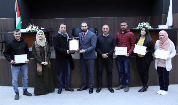 جامعة فلسطين الأهلية تنظم مسابقة ثقافية بين الكليات