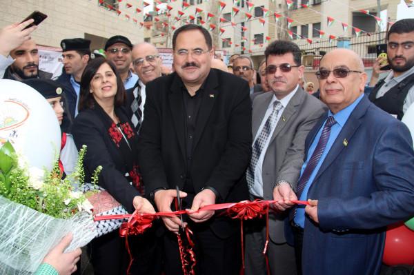 """التربية و""""التضامن الخيرية"""" تفتتحان مهرجان الصناعات الوطنية في المدرسة الإسلامية بنابلس"""
