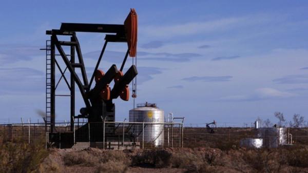 السعودية تقترب من استقرار مخزونات النفط لديها