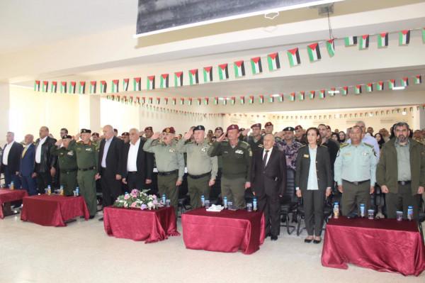 هيئة التدريب العسكري تخرج الدورة التأسيسية الثالثة والثلاثون ودورة الكفاءات الثامنة .