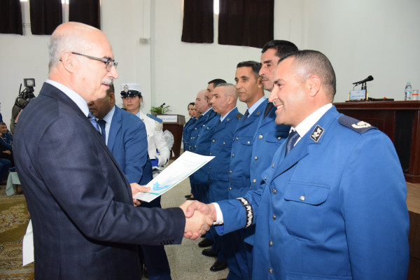 مدير الأمن الوطني يُشرف على توزيع وحدات سكنية لموظفي الشرطة
