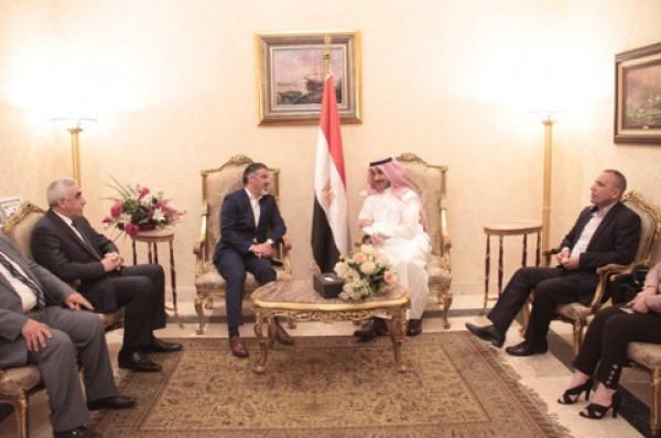 وزير العمل يصل للقاهرة للمشاركة في أعمال مؤتمر العمل العربي