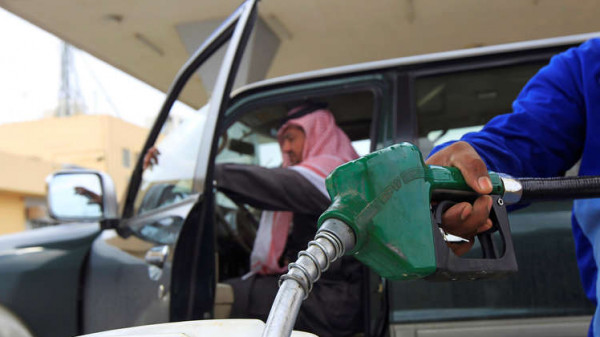 السعودية ترفع أسعار البنزين