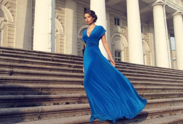 فساتين خطوبة باللون الأزرق الملكي