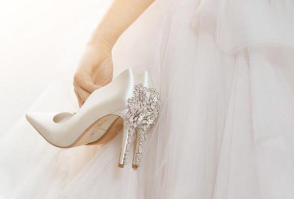 لا تختاري حذاء زفافك عشوائياً.. إليك هذه النصائح الهامة