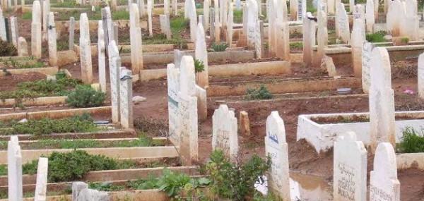 فيديو:هل يجوز فتح القبر على متوفى قبل مرور أربعين يومًا من دفنه؟