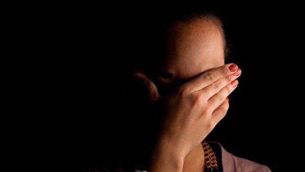 بعد 4 أشهر زواج.. عريس مصري يقتل عشيق زوجته بعد ضبطه فى غرفة نومه