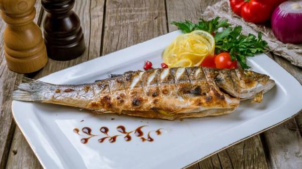طريقة عمل السمك المقلي مثل المطاعم