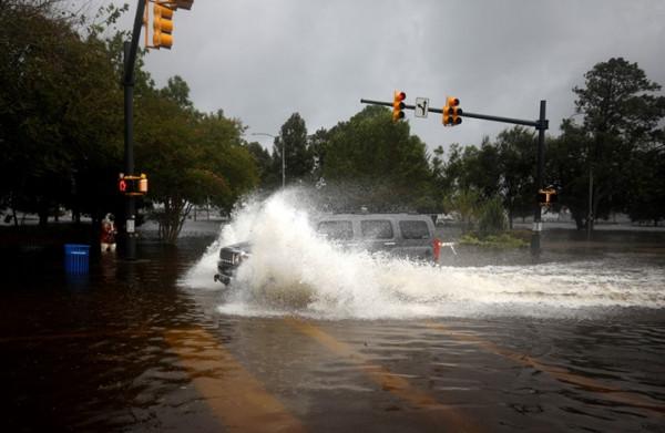 الإعصار يخلف ثمانية قتلى جنوبي الولايات المتحدة