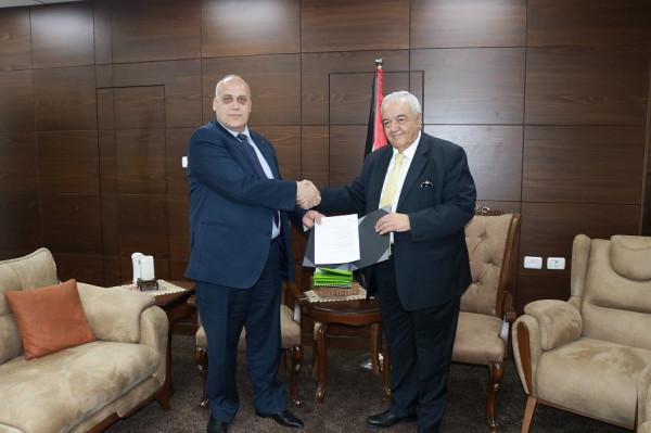 أبو شهلا: وزارة العمل تمتلك الخطط والبرامج للتوسع بالتعليم المهني ومحاربة البطالة