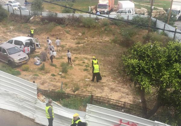 شاهد: الشرطة الإسرائيلية وقوات خاصة تقتحم مقبرة الإسعاف بيافا