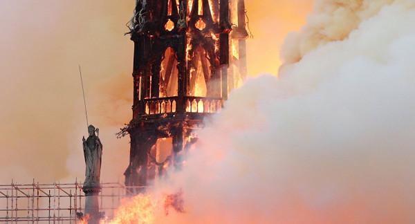 رجال الإطفاء: إخماد حريق كاتدرائية نوتردام نهائيا