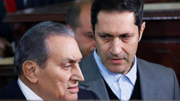 علاء مبارك يَحذف تغريدة أثارت جدلاً في مصر