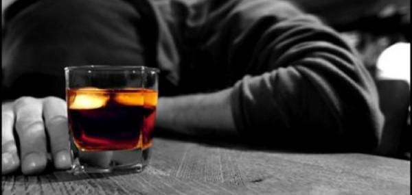فيديو: هل شرب الخمر فعلًا يُنجس الفم 40 يومًا؟