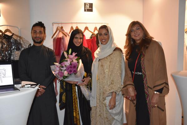 الاميرة نورة ال سعود ترعى عرض خريجات دار الحكمة فى معرض ليكزس