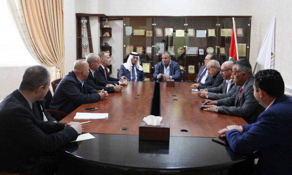 ناصر قطامي يزور جامعة فلسطين الأهلية