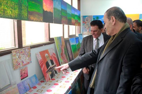 """كلية مجتمع الأقصى للدراسات المتوسطة تفتتح معرضها الفني بعنوان """"هذه الارض لي"""""""