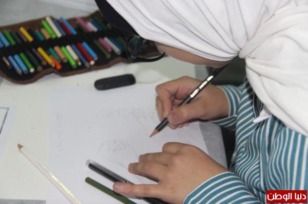 تربية قلقيلية تنظم مسابقة اولمبياد التربية الفنية (رسم الكاريكاتير)