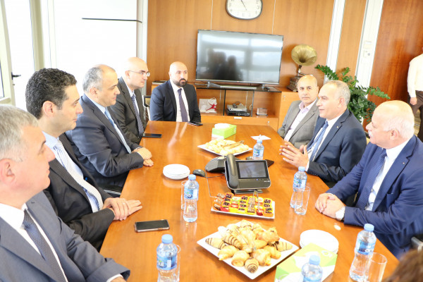 وزير الاتصالات يزور مجموعة الاتصالات وأوريدو