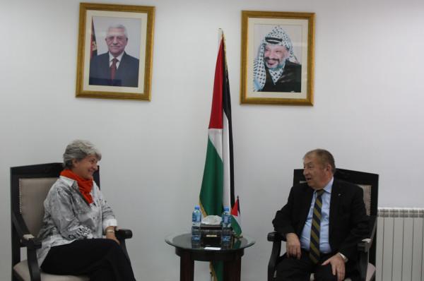 وزير الاقتصاد الوطني والوكالة الفرنسية يبحثان سبل دعم الصناعة الفلسطينية