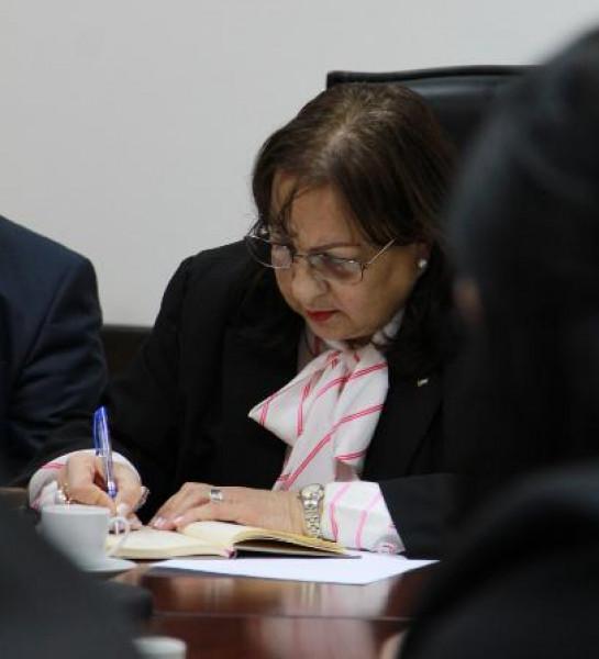 وزيرة الصحة: نعمل على تطوير برنامج التأمين الصحي للأسرى