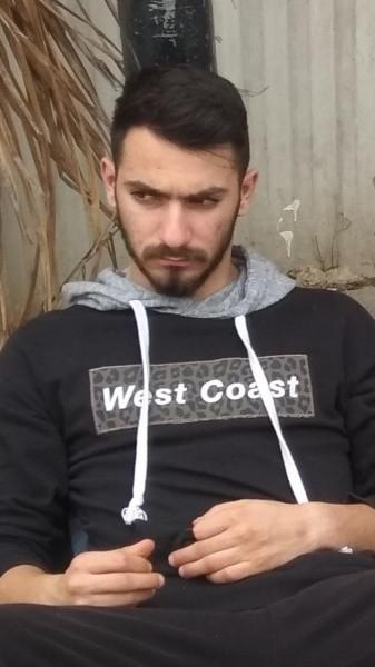 كمال زيدان الرافض للتجنيد الإجباري مضرب عن الطعام احتجاجًا على عزله الانفرادي