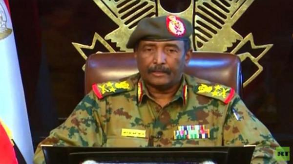 المجلس العسكري السوداني يعفي مسؤولين كبار من مناصبهم