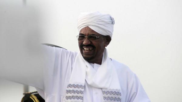 صحيفة سودانية: البشير ليس في سجن كوبر