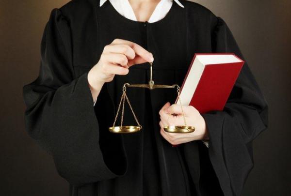 لهذا السبب.. نقابة المحامين تُعلّق العمل أمام محكمة الجنايات الكبرى