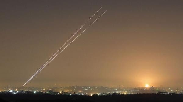 (يديعوت): إطلاق صاروخ من غزة انفجر داخل القطاع