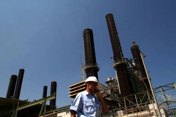 رئيس سلطة الطاقة: توقيع اتفاقيات لبناء خزان وقود في غزة
