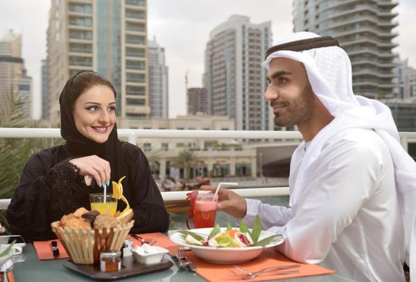 للعروس الجديدة.. اهتمي بزوجك في شهر رمضان من خلال هذه الإرشادات