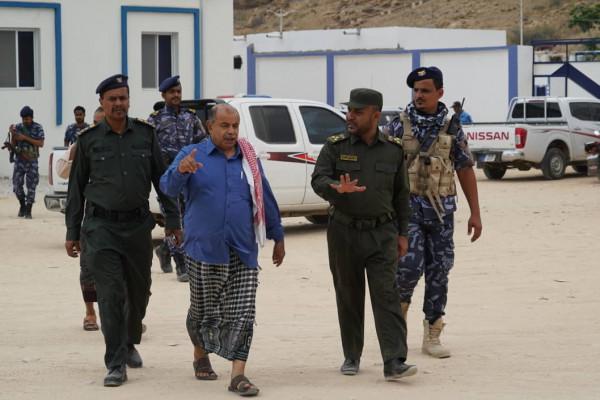 نائب رئيس الوزراء في زيارة لإدارة أمن ساحل حضرموت
