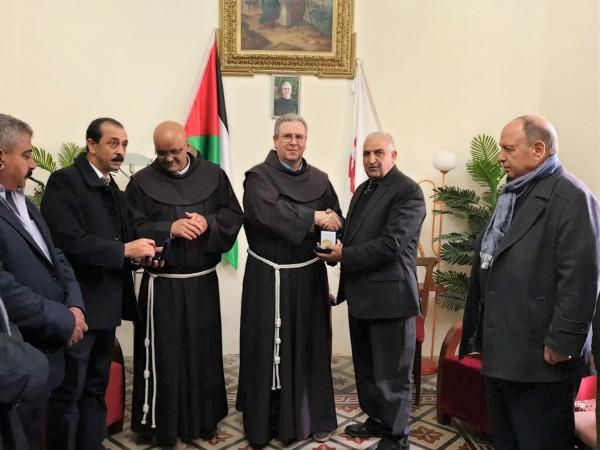 الحسيني وصيام يشاركان بالقداس الالهي بمناسبة عيد الفصح بكنيسة القبيبة