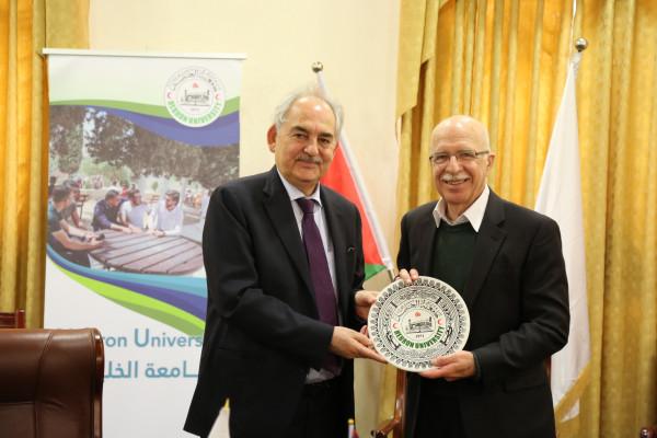 الدكتور نبيل الجعبري يستقبل رئيس مجلس أمناء جامعة الزرقاء