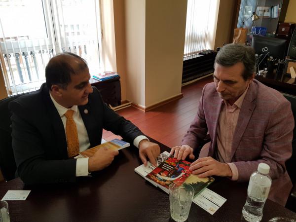 السفير احمد المذبوح يلتقي رئيس اتحاد نقابات العمال البلغار