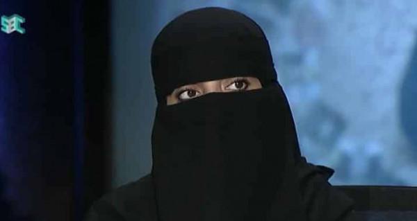 """سعودية قبلت الزواج من مصاب """"إيدز"""".. ماذا أخبرها الطبيب بشأن العلاقة؟"""