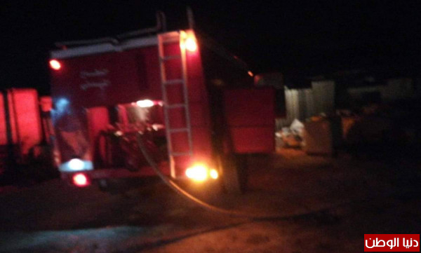 صور: الدفاع المدني يُسيطر على حريق للخردة والمواد البلاستيكية غرب الخليل