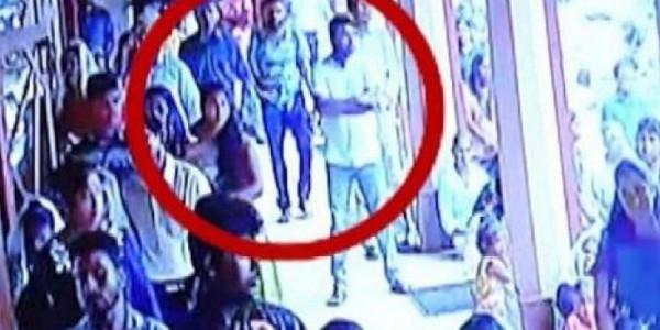 فيديو: لحظة دخول منفذ عملية تفجير الكنيسة بسريلانكا بين المصلين