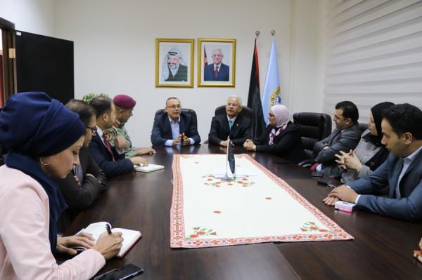 وفد من جامعة الاستقلال يهنئ أبو سيف باستلام منصبه الجديد