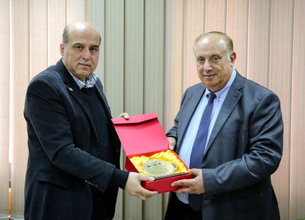 الوزير أبو مويس يبحث مع الجيوسي تعزيز دعم التعليم العالي والبحث العلمي