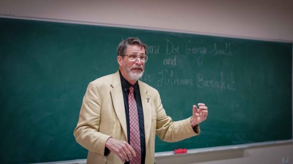 جامعة بيرزيت تستقبل العالم جورج سميث الحائز على جائزة نوبل يالكيمياء