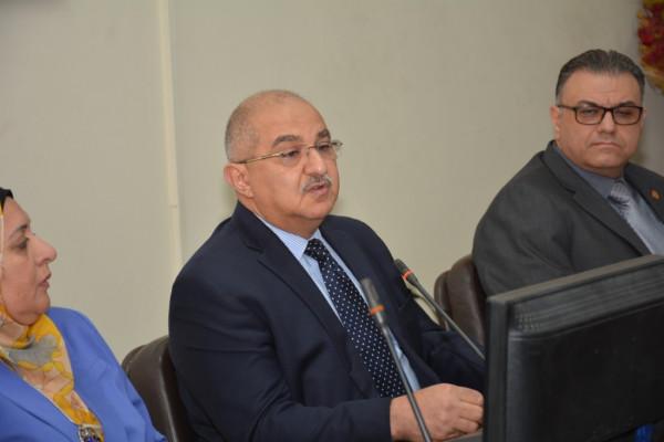 رئيس جامعة أسيوط يعلن البدء فى وضع خطة شاملة لتطوير المستشفى الجامعى