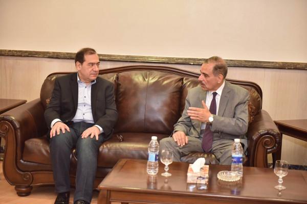 وزير البترول ومحافظ أسيوط يتفقدان أعمال تنفيذ أكبر مشروعين لتكرير البترول بالصعيد