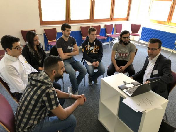 اللجنة الطلابية في تجمع الأطباء الفلسطينيين بألمانيا تختتم مخيمها الطلابي الثامن
