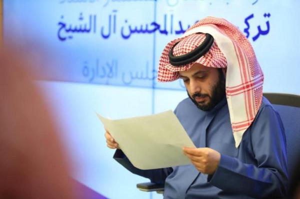 تركي آل الشيخ يعتذر لطه إسماعيل.. شاهد ماذا حدث