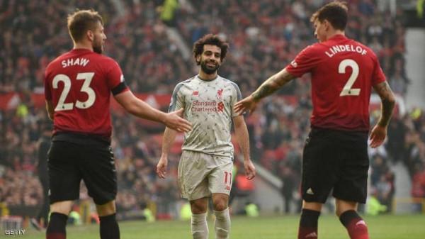 لأول مرة.. مشجعو ليفربول يُناصرون مانشستر يونايتد